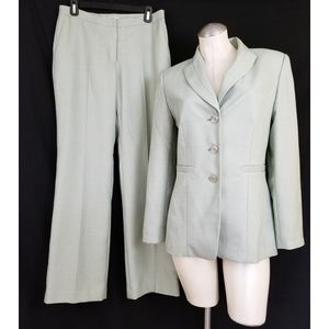 Travis Ayers for Dressbarn Size 6 Green Pant Suit